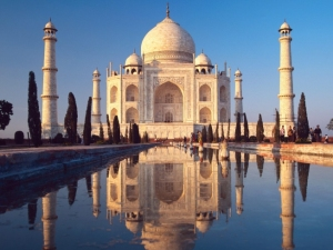 taj mahal, india, wonder, amazing, bucket list, lynne st. james